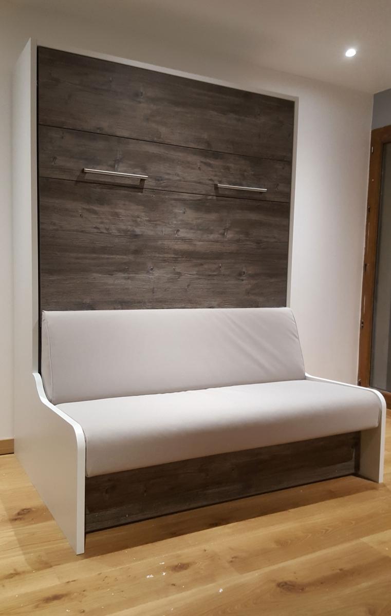 Premium Sofa avec aménagement complet