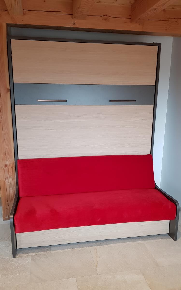 Lit escamotable canapé Premium Sofa dans un gîte
